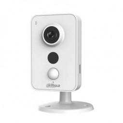 """IPC-K15A Caméra compacte IP avec PIR de 6 m et éclairage infrarouge de 10 m pour intérieur. H.264/MJPEG. CMOS 1/3"""". Stream duel."""